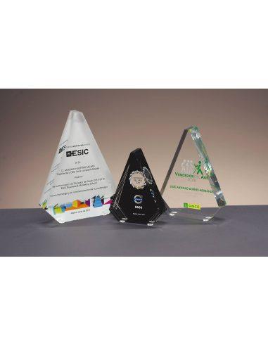 Trofeo pirámide de metacrilato