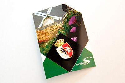 pin institucional con embalaje personalizado
